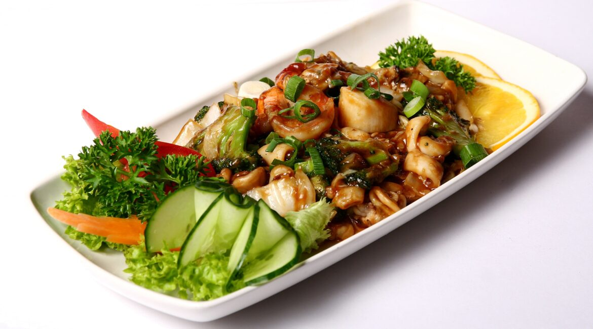 ketogenic diet meat dish with vegetables