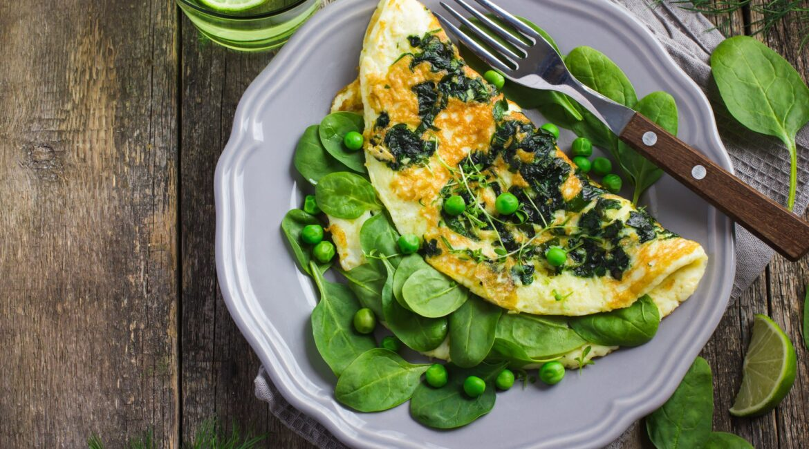 omelette with spinach and green peas