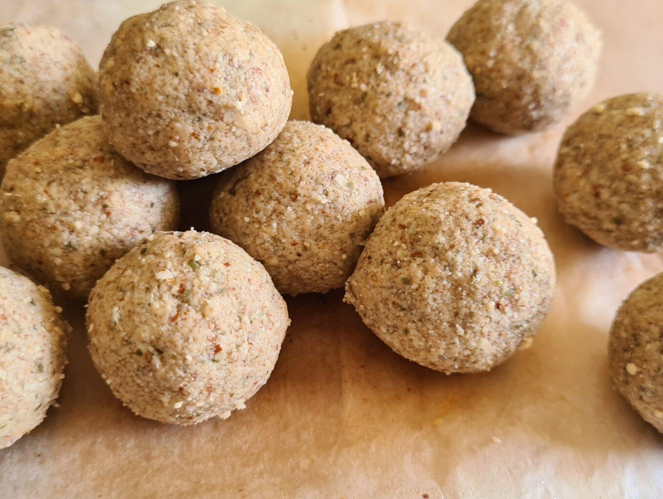 7 Indian Low Carb LCHF & Keto Vegetarian Snacks